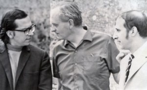 Stephen Dodgson with John Williams (left) and Rafael Puyana (right) at Dartington before the first performance of his Duo Concertante for Guitar and Harpsichord